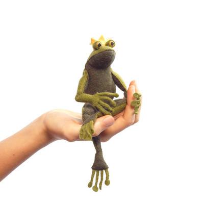The Frog Prince kit, Felt Animal Craft Kit - frog Sewing Kit - hand-sewing kit, plush frog, beginner sewing kit, DIY sewing