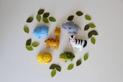 Pattern felt ornaments, 6 animals: giraffe, zebra, hippo, lion, elephant, turtle