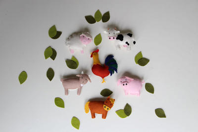 Pattern felt ornaments, 6 farm animals: cow, goat, sheep, horse, pig, hog, rooster.