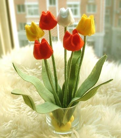 Felt Flower arrangement--Tulip