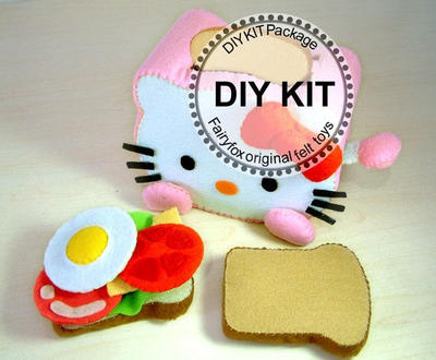 Felt Toaster and breakfast Kit - KIt Desayuno Hello Kitty