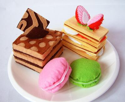 Play Felt food pattern-Lovely sweet cake set (Muti-Layer chocolate pie,strawberry pie,Tiramisu,Macaroons)