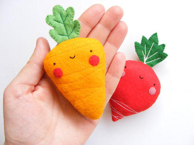 PDF pattern - Carrot & radish earphones holders - cute veggies