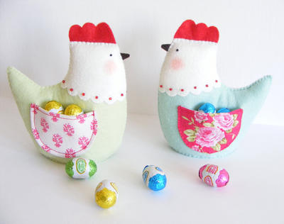 PDF pattern - Easter hen with pocket