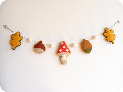 PDF pattern - Felt autumn garland - chestnut, acorn, mushroom and leaves ornaments