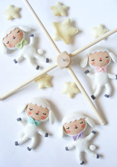 PDF pattern - Little dancing lambs - Felt baby mobile ornaments