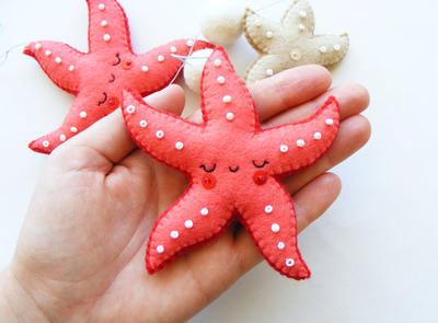 Starfish mobile - Felt ornaments