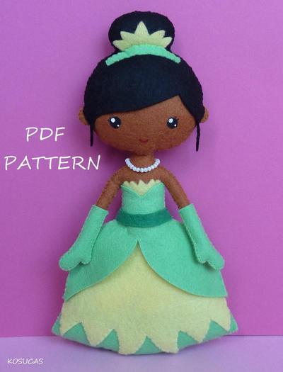 Patrón de costura PDF para hacer muñeca Tiana de Fieltro