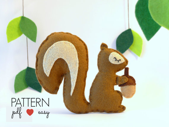 Felt Squirrel Pattern - Use for baby mobile, ornaments, garlands, party favors, cake topper