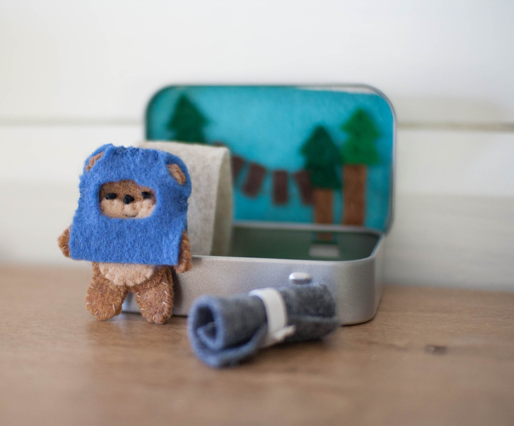 Ewok/Bear Cave Altoid Tin Playset (perfect stocking stuffer!)
