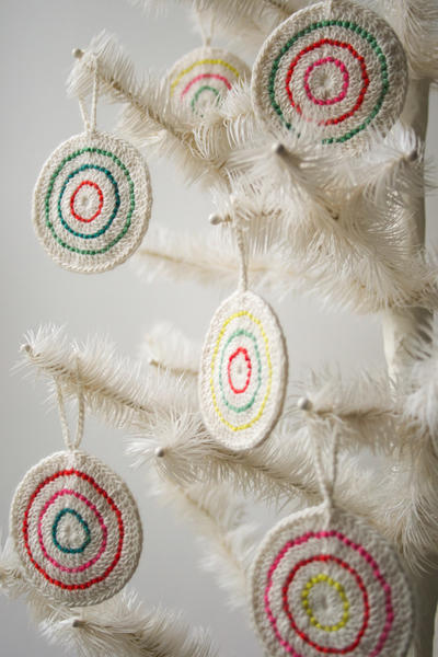 Crochet and Felt Candy Ornaments - Patrón adorno navideño de crochet y fieltro