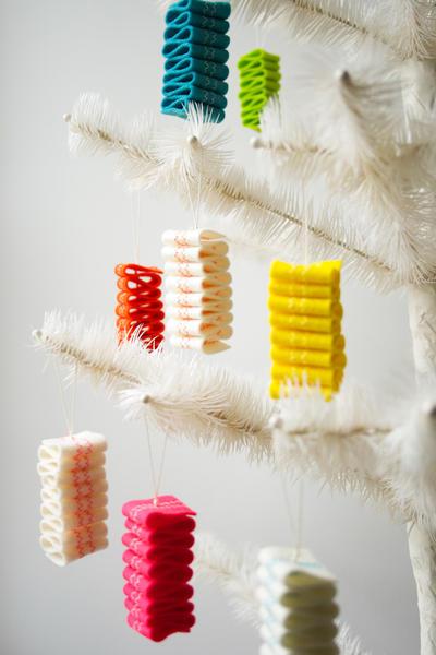 Ribbon Candy Felt Ornaments - Adornos Navideños de Fieltro