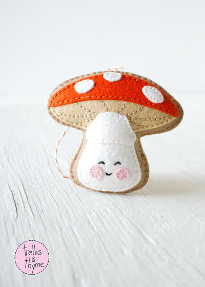 PDF Pattern - Little Amanita, Mushroom Pattern, Winter Felt Ornament Pattern