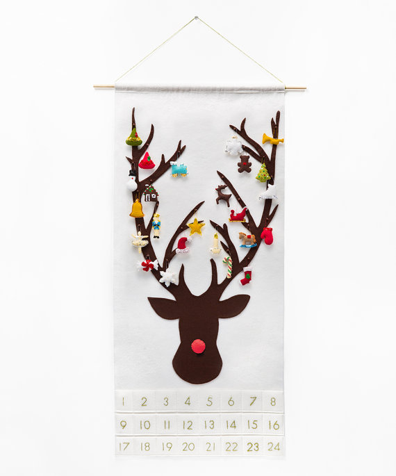 Christmas Advent Calendar Pattern - Reindeer with 24 Treasured Characters