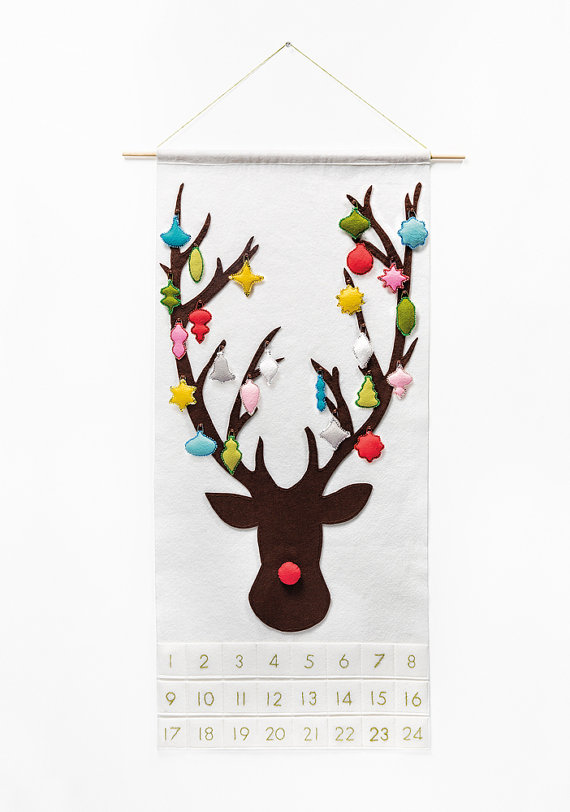 Christmas Advent Calendar Pattern - Reindeer with 24 Whimsical Vintage Ornaments