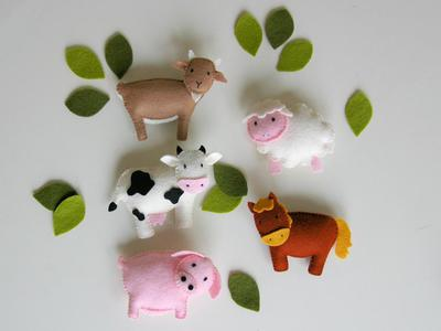 Farm baby mobile horse goat sheep felt