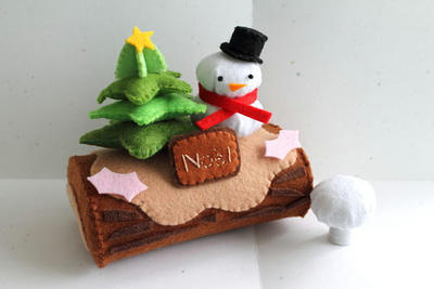 Patterns: Felt Christmas Log Cake