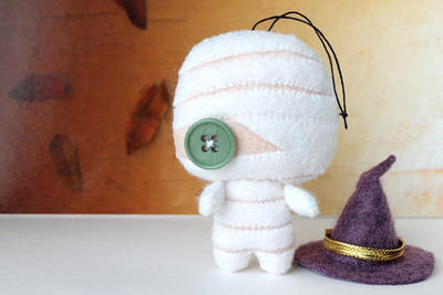PDF Pattern - Felt Mummy Halloween Ornament